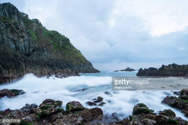 view of semeti beach in cloudy day near rinjani, senaru, lombok, indonesia, - shaifulzamri stock pictures, royalty-free photos & images