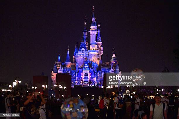 60 Top Shanghai Disneyland In Final Preparation For The
