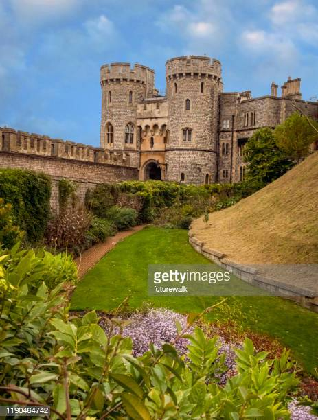 view of st. george's gate at windsor castle, at windsor england in berkshire county - windsor castle stock pictures, royalty-free photos & images