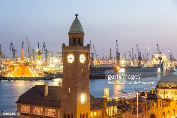 view of st. pauli piers (st. pauli landungsbrucken), port of hamburg - image stock-fotos und bilder