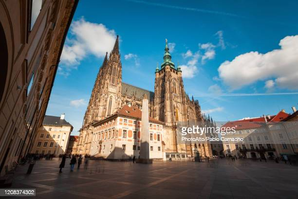 view of st. vitus cathedral - st vitus's cathedral stock pictures, royalty-free photos & images