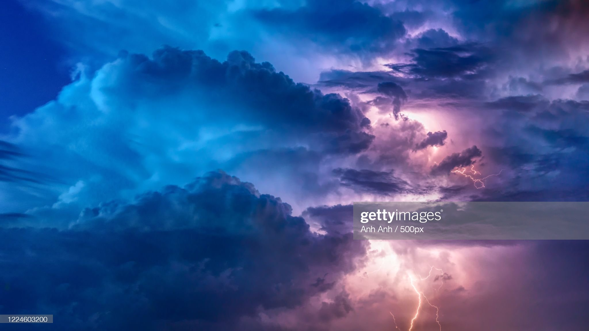 View of stormy sky with lighting : 圖庫照片