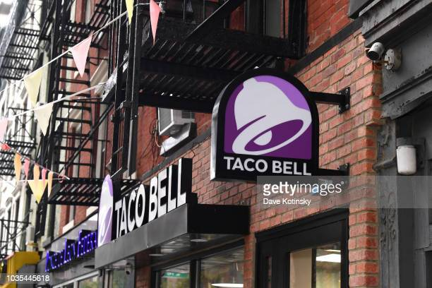A view of Taco Bell located at 321 1st Ave in Manhattan