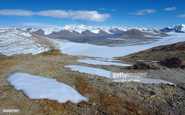 view of taylor valley, dry valleys, antarctica - south pole stock pictures, royalty-free photos & images