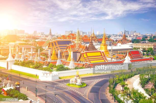 view of temple of the emerald buddha in bangkok, thailand. wat phra kaew is one of the most popular tourists destination in thailand. famous tourist sites and it was built in 1782 at bangkok, thailand - sukhothai stockfoto's en -beelden