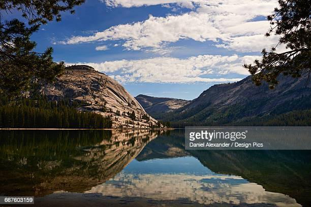 View of Tenaya Lake along Tioga Pass, Yosemite National Park