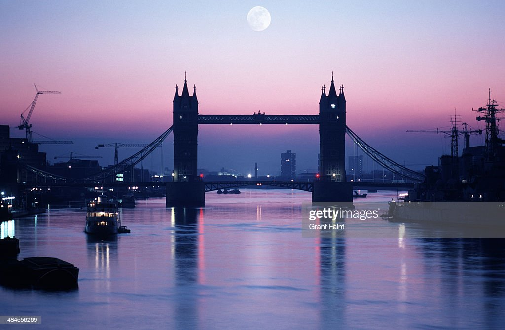 View of Thames river at morning time : Stock Photo