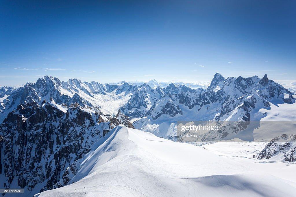 眺めのアルプスから Aiguille du midi 、シャモニー、フランス : ストックフォト
