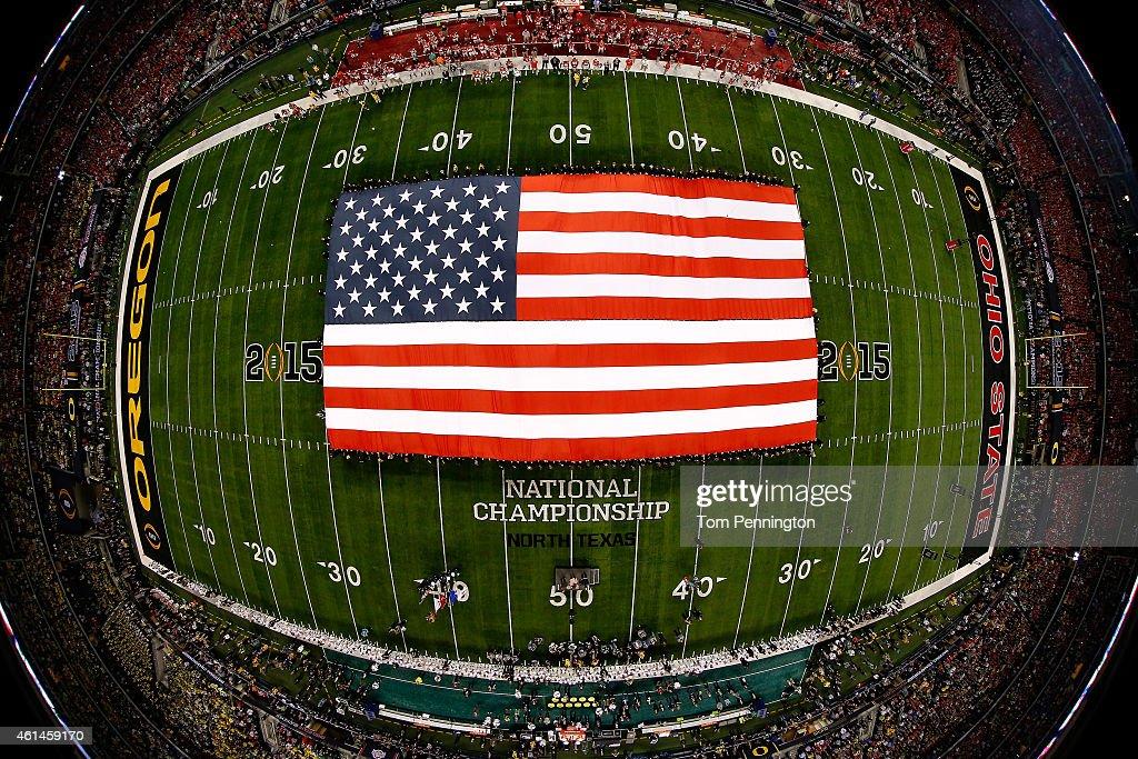 National Championship - Oregon v Ohio State : ニュース写真
