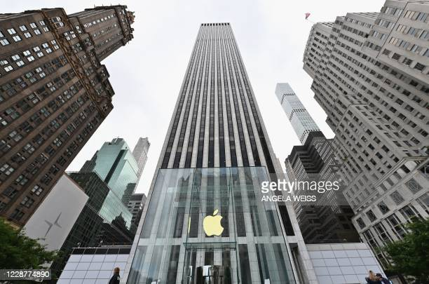 View of the Apple store on Fifth Avenue on September 28, 2020 in New York City.
