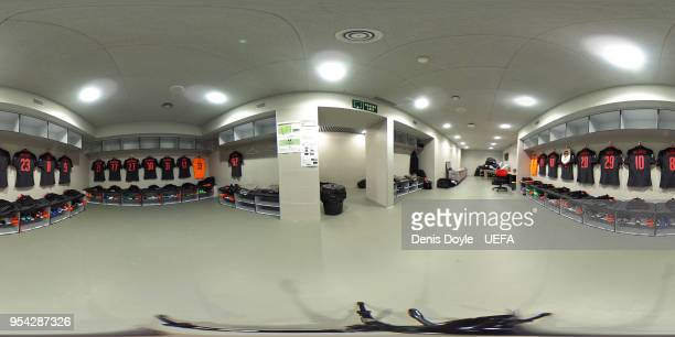 A 360 view of the Arsenal dressing room ahead of the UEFA Europa League Semi Final second leg match between Atletico Madrid and Arsenal FC at Estadio...