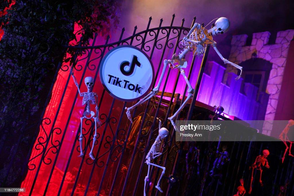 TikTok Halloween Party : News Photo