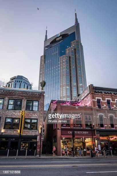 view of the at&t building from broadway - brycia james stock pictures, royalty-free photos & images