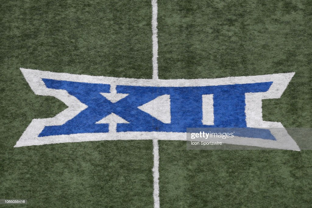 COLLEGE FOOTBALL: NOV 23 Texas at Kansas : News Photo