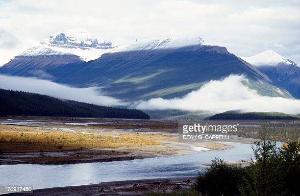 View of the Bow River valley, Banff National Park , Rocky Mountains, Alberta, Canada.
