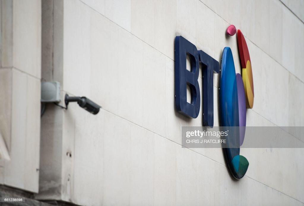 BRITAIN-TELECOMS-BUSINESS-BT : News Photo