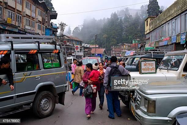 A view of the busy taxi stand in Darjeeling Darjeeling is a town in India's West Bengal state in the Himalayan foothills Once a summer resort for the...