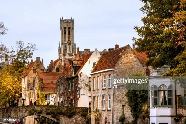 view of the canals of bruges (groenerei canal), bruges, belgium - bairro antigo imagens e fotografias de stock
