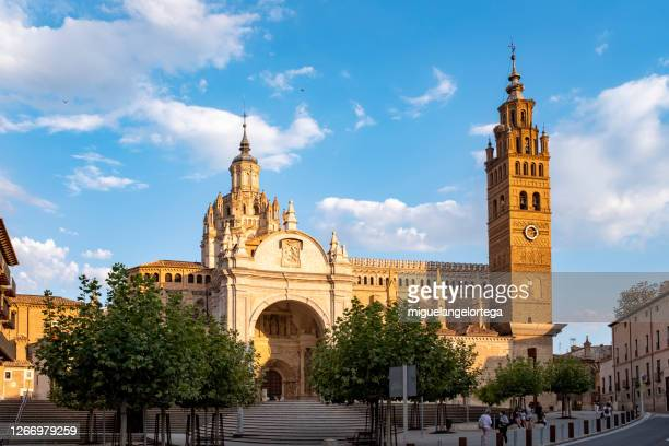 a view of the cathedral of  tarazona, a touristic city in spain - high renaissance stock pictures, royalty-free photos & images
