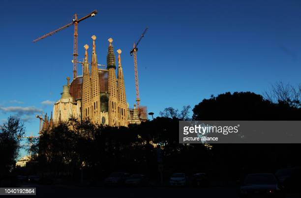 View of the cathedral Sagrada Familia in Barcelona, Spain, 21 January 2013. Photo: | usage worldwide