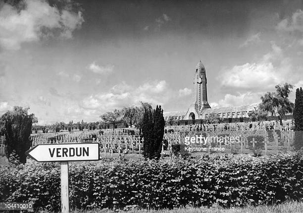 1952 view of the cemetery of Douaumont near Verdun In the background is the ossuary of Douaumont The soldiers who died at the battle of Verdun in...