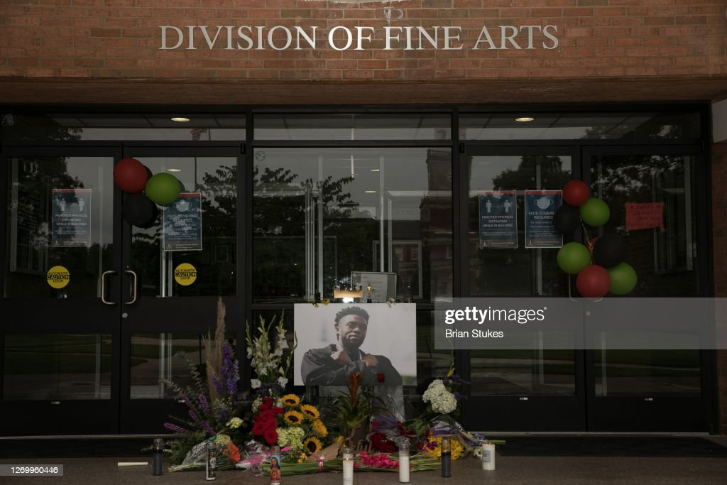 Memorial In Tribute To Chadwick Boseman : News Photo