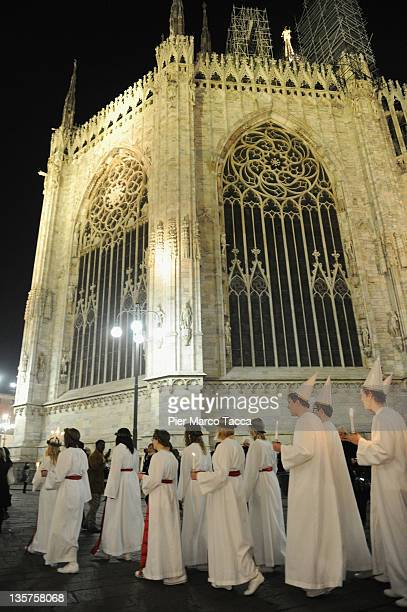 https://media.gettyimages.com/photos/view-of-the-choir-of-santa-lucia-accompanied-by-the-children-of-the-picture-id135758068?s=612x612