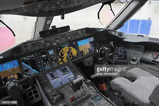 View of the cockpit of the Boeing 787 Dreamliner taken during the Paris International Air Show on June 22, 2011 at Le Bourget airport near Paris....