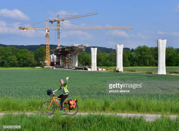 View of the construction sight of the 630 meter long Ilmtal bridge near Griesheim near Stadtilm Germany 26 May 2016 The construction of the 14 km...