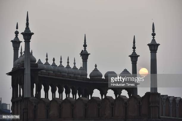 A view of the damaged dome of Jama Masjid on December 13 2017 in New Delhi India The 17th century mosque built by Mughal emperor Shahjahan has...