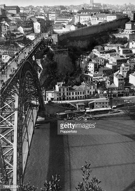 circa 1940's The Eiffel Bridge spanning the River Douro Oporto