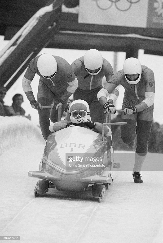 Bobsleigh at XIV Winter Olympics : Nachrichtenfoto