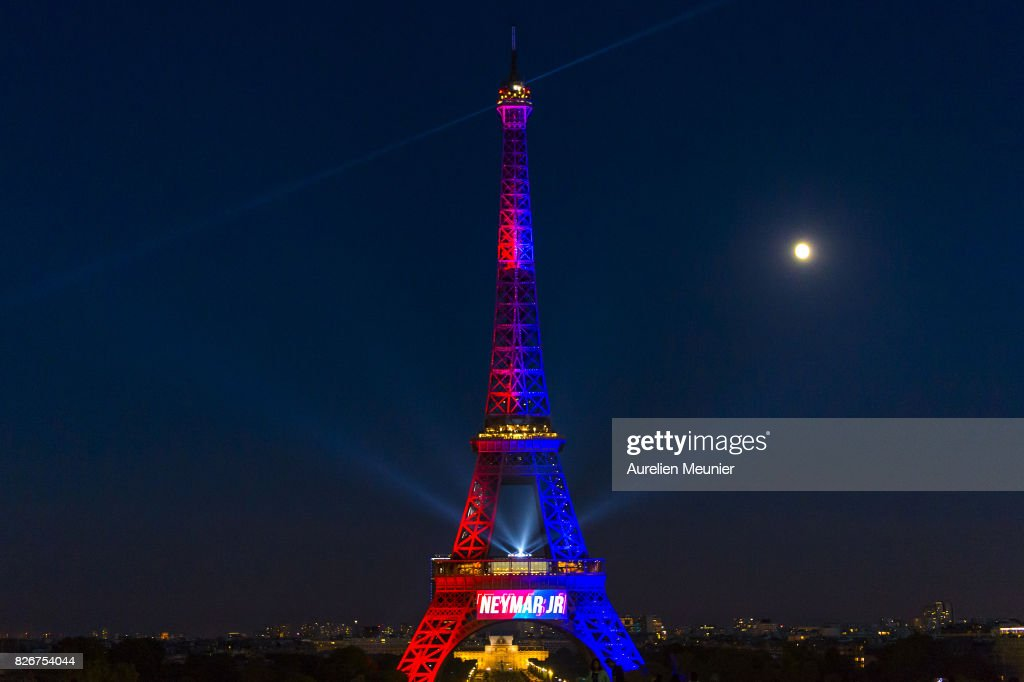 A View Of The Eiffel Tower Illuminated In The Colors Of Paris News Photo Getty Images