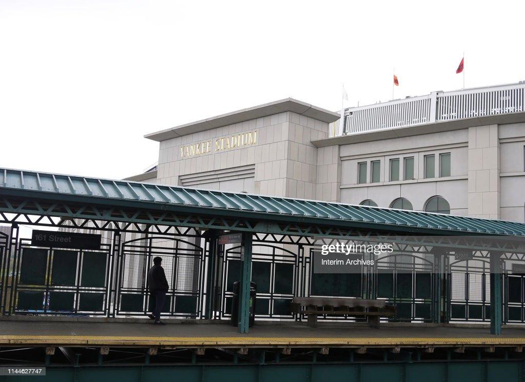 161st Street Subway Platform : News Photo