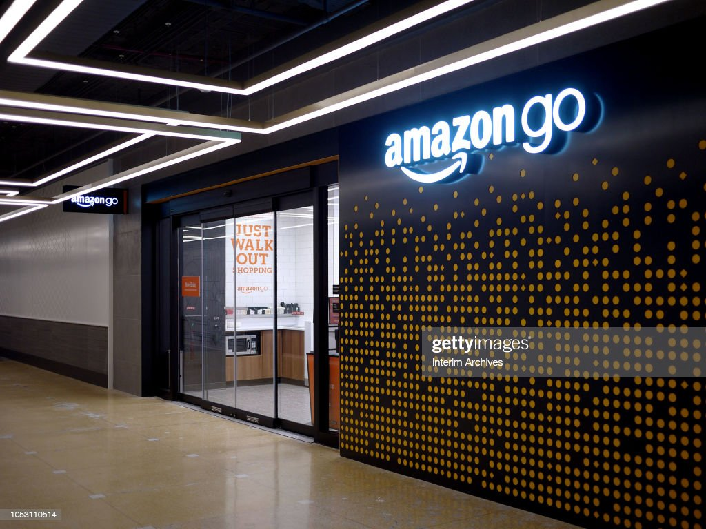 Amazon Go Store In Chicago : News Photo