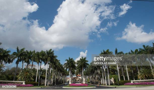 View of the entrance of the Trump International Golf Club in West Palm Beach Florida on February 19 2017 / AFP / NICHOLAS KAMM