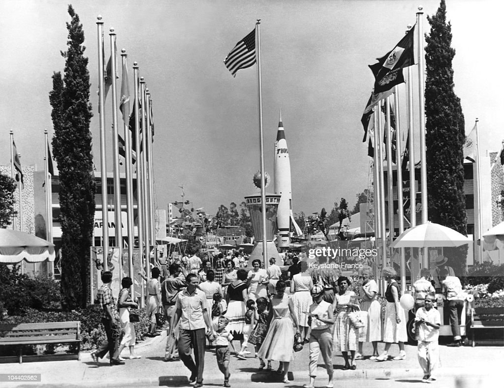 Walt Disney : Disneyland In 1955 : News Photo