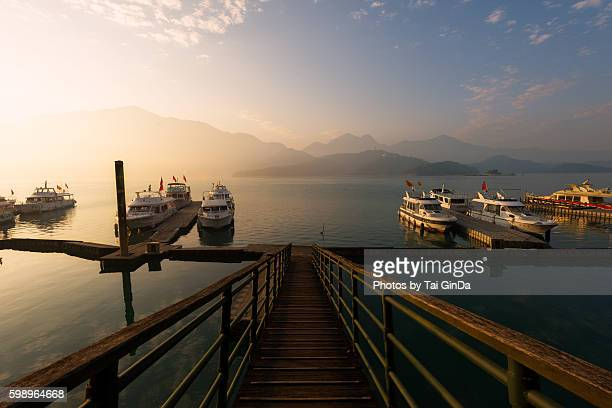 a view of the famous sun moon lake in taiwan - 泥沼地 ストックフォトと画像