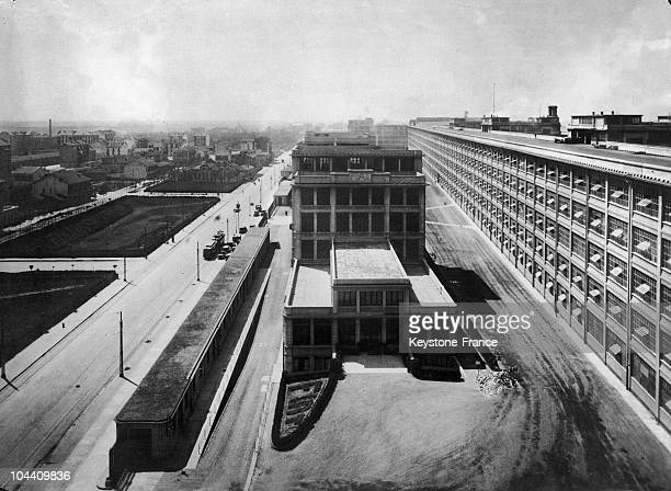 A view of the FIAT factories in Turin around 1930 On the right can be seen the trial tracks built on the roof in order to test the cars' speed