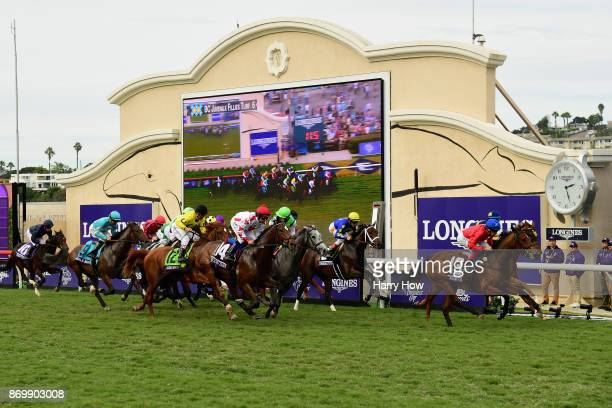 A view of the field during the Breeder's Cup Juvenile Fillies Turfon day one of the 2017 Breeder's Cup World Championship at Del Mar Race Track on...