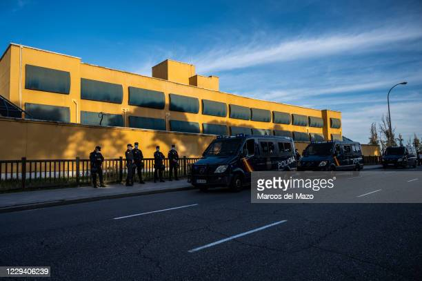View of the Foreigners Detention Center in Aluche, where 41 inmates are on a hunger strike that began this week to demand their release.