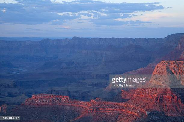 view of the grand canyon from the south rim - timothy hearsum fotografías e imágenes de stock