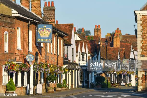 View of the High Street in the historic Buckinghamshire market town of Old Amersham on August 26, 2019 in Amersham, England. Set in the Chiltern...