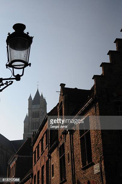 a view of the historic city centre of bruges - ブルージュ ストックフォトと画像