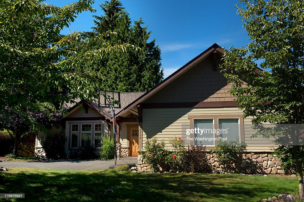 SEATTLE, WA - AUGUST 7: A view of the home where Jeff Bezos sta : News Photo