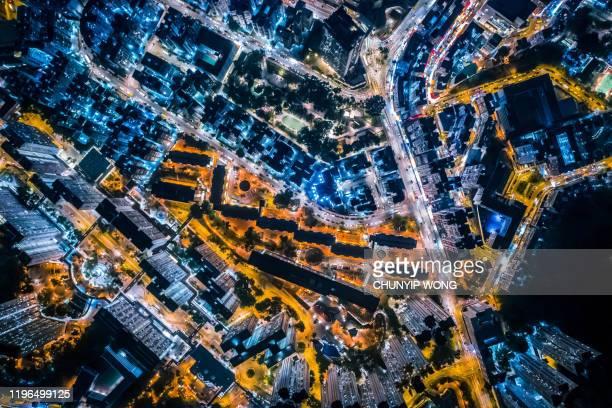 vista de hong kong por la noche - top fotografías e imágenes de stock