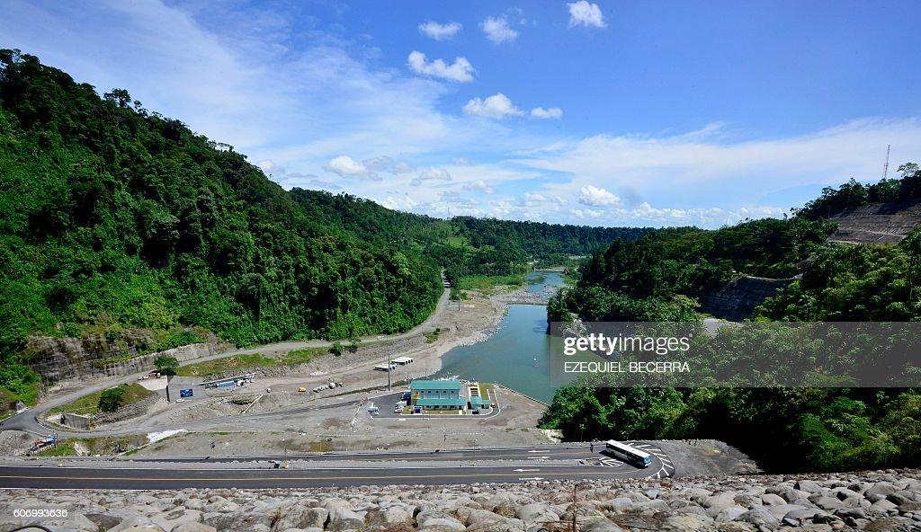 COSTA RICA-HYDROELECTRIC-DAM-REVENTAZON-INAUGURATION : Nachrichtenfoto