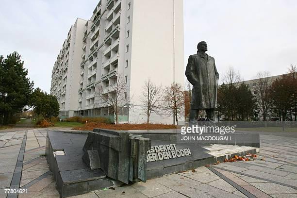 View of the last major statue of communist revolutionary Vladimir Lenin still standing in Germany in the northern city of Schwerin 08 November 2007...