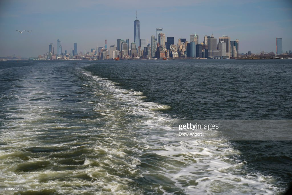 Mayor Bill De Blasio Announces Plan To Protect Lower Manhattan From Storms And Rising Seas : News Photo
