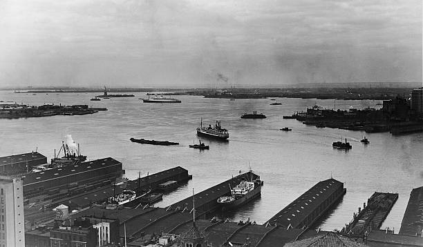 View of the Manhattan docks along the Hudson River,...